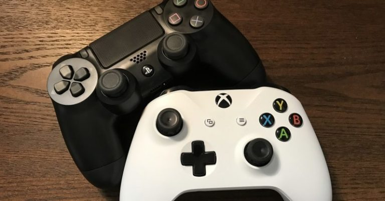 How to use a PS4 and Xbox One controller on the iPhone