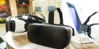 Best VR Viewer: Buying Guide