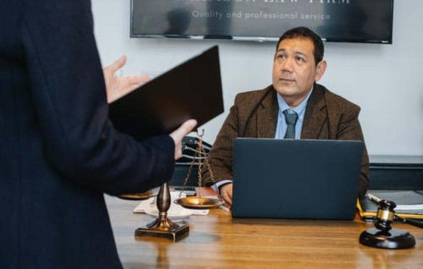 Benefits of Hiring Experienced Divorce Lawyer for Expats
